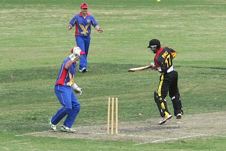 PNG HCC Pics web_0140 Jason Kila stumped